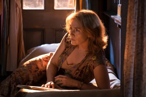 Kate Winslet in Woody Allen's WONDER WHEEL. Photo by: Jessica Miglio. © 2017 Gravier Productions, Inc.